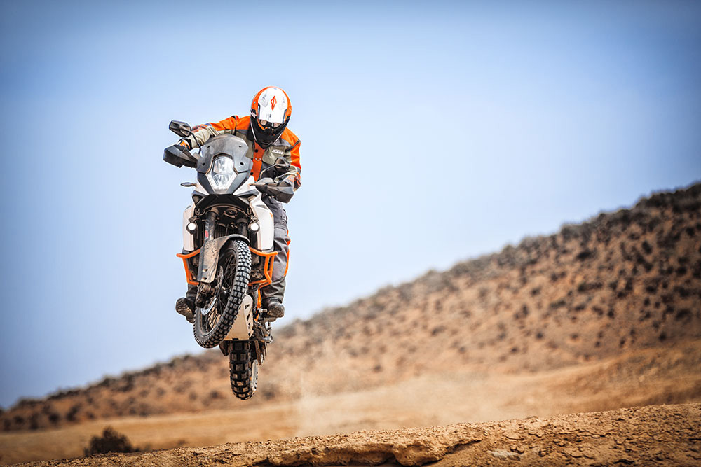 2018 Ktm 1090 Adventure R Motorcycle Uae S Prices Specs