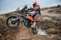 KTM-790-Adventure-R-Prototype-Dubai-UAE (1)