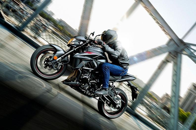 2016 Suzuki Gsx S750 Motorcycle Uae S Prices Specs