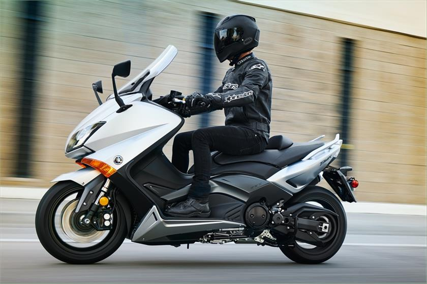 2016 Yamaha Tmax Motorcycle Uae S Prices Specs Amp Features