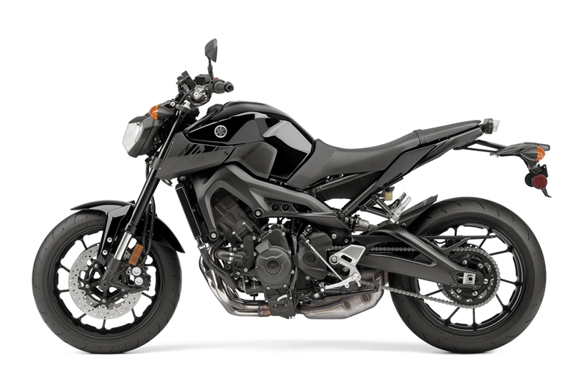 2017 Yamaha FZ-09 Naked Sportbike Motorcycle Review