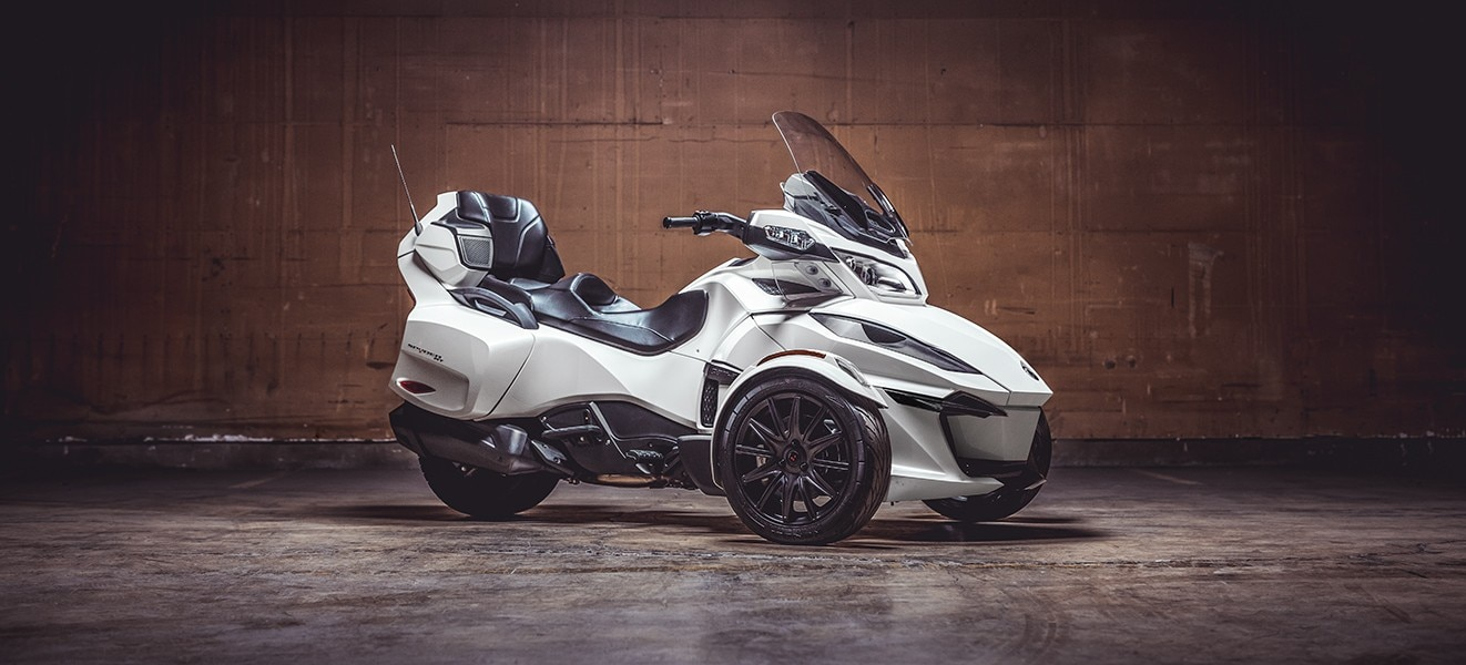 Spyder Motorcycle Price >> 2019 Can-Am Spyder RT Motorcycle UAE's Prices, Specs ...