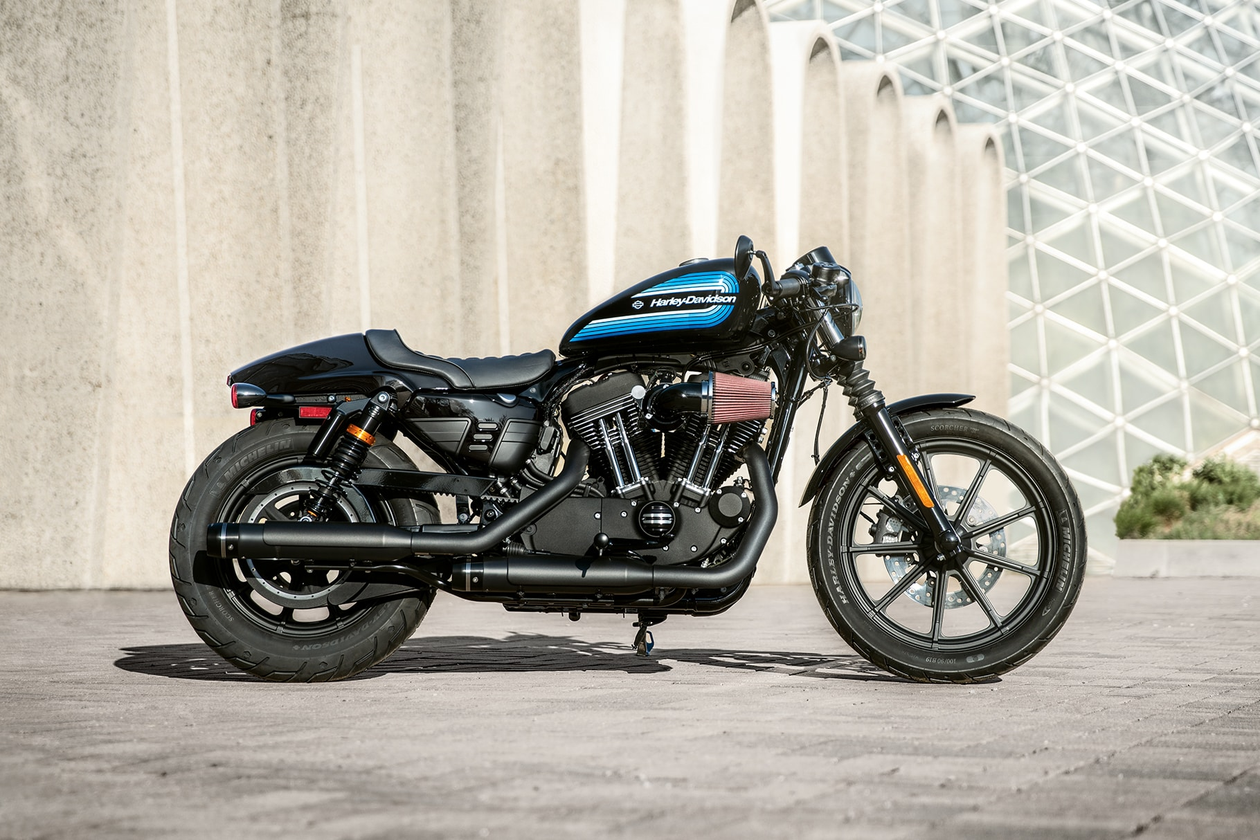 2019 harley davidson sportster iron 1200 motorcycle uae 39 s prices specs features review. Black Bedroom Furniture Sets. Home Design Ideas