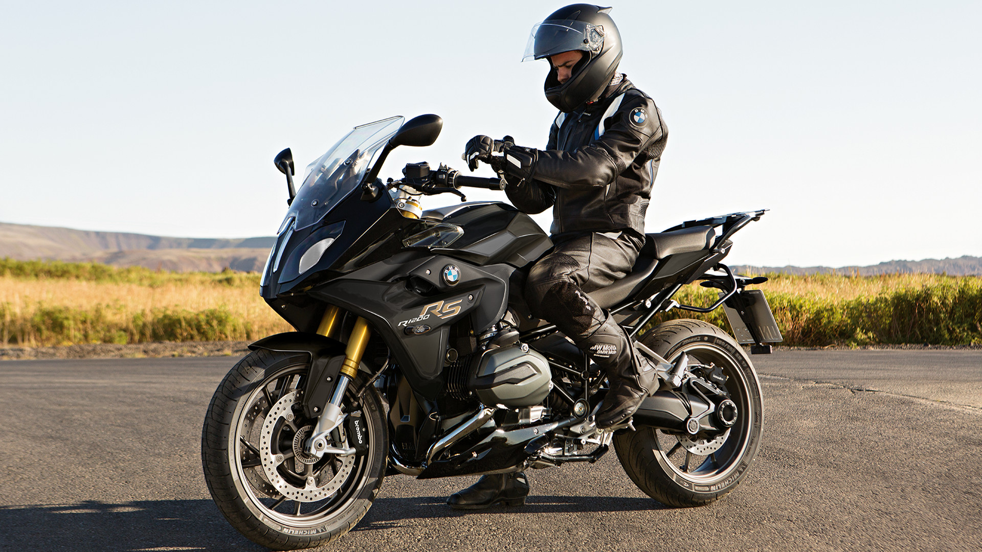 2019 Bmw R 1200 Rs Motorcycle Uae S Prices Specs